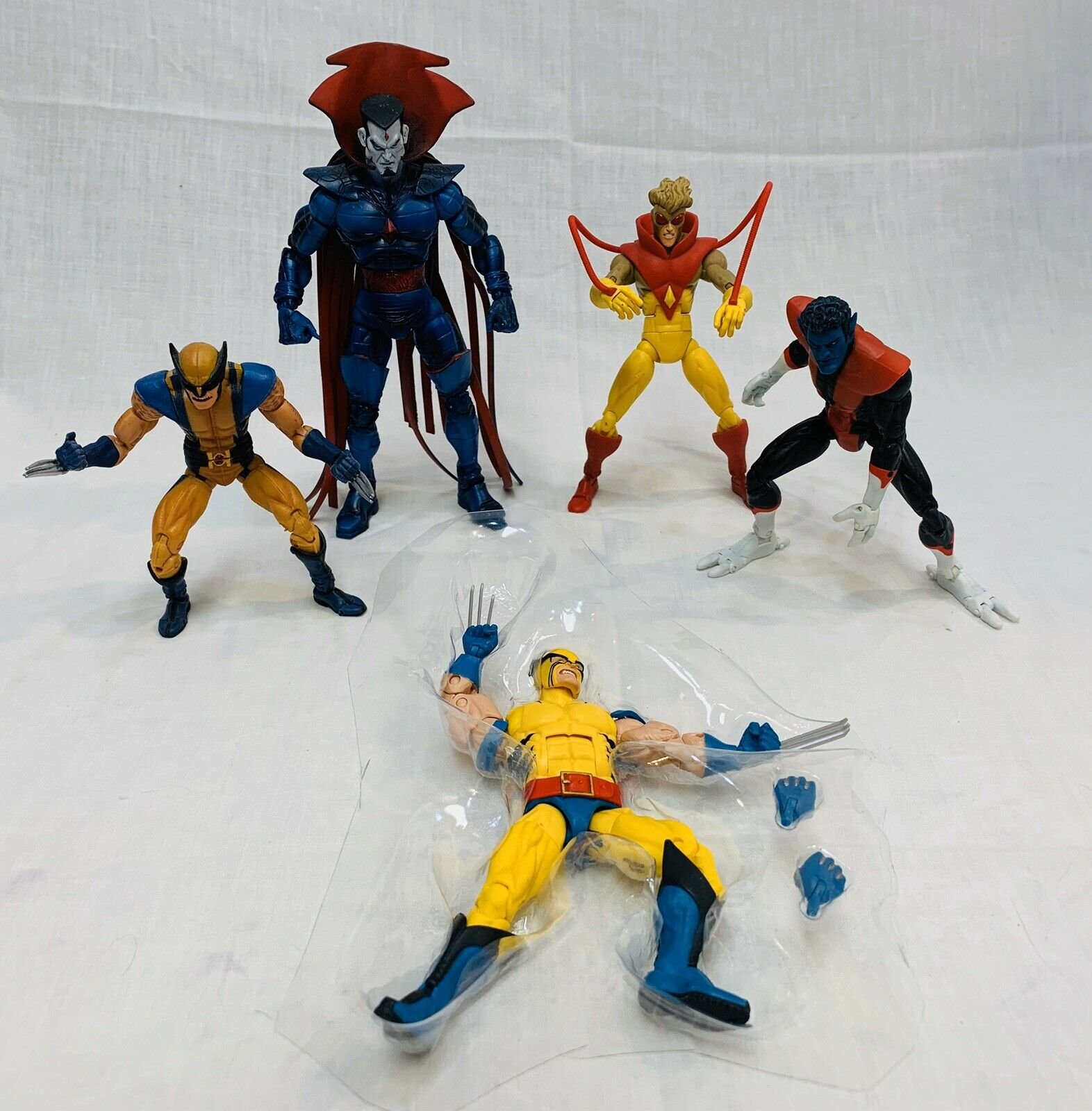 Marvel Legends Xessi LOT hasbro FA Wolverine giocattolobiz Pyro Astonishing Wolverine