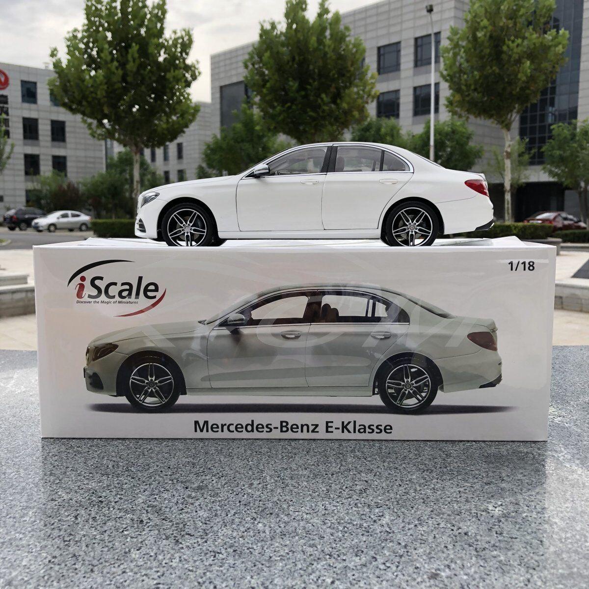 moda modellolo di di di auto iScale MERCEDES-BENZ classeE E-E-KLASSE LIMOUSINE 1 18 (bianco) + REGALO     una marca di lusso