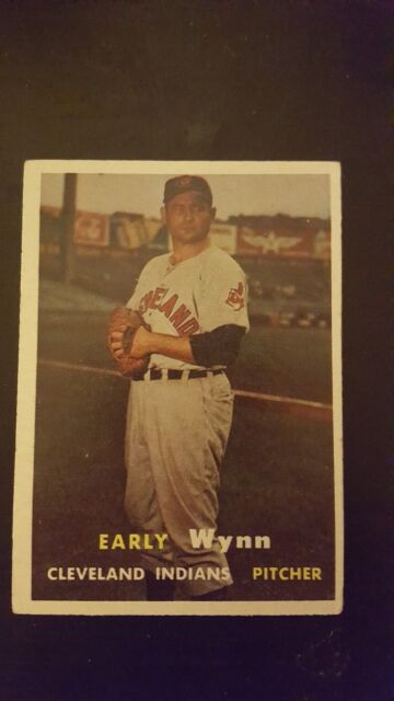 1957 Topps Early Wynn Cleveland Indians #40 Baseball Card Very Good