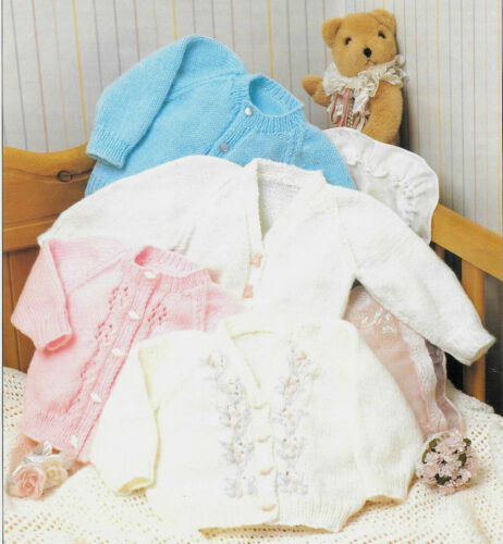 """Vintage Baby Knitting Pattern DK 16-24/"""" Round and V Necked 7096 Repro"""