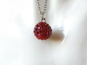 Collana girocollo da donna con pendente ciondolo sfera rossa swarovski elements