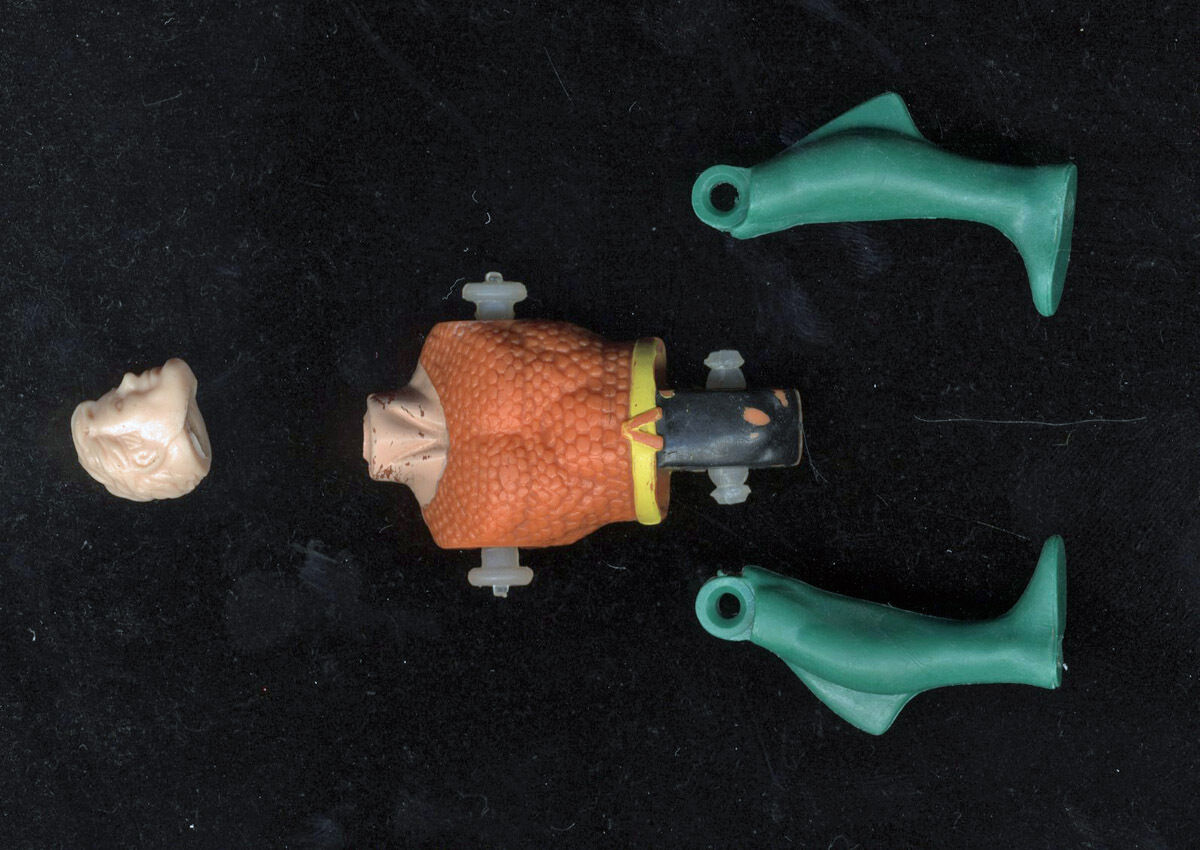 Kenner Super Powers Aquaman Lili Ledy parts Head, Torso, 2 Legs 1984 DC