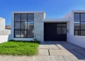 Casa Residencial de una Planta Lomas de la Rioja Excelente Distribución Jardín 2 Recamaras Veracruz
