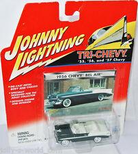 Tri Chevy - 1956 CHEVY BEL AIR conv - darkgreen/white - 1:64 Johnny Lightning