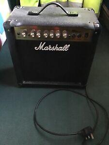 Marshall-MG15CDR-Amplifier