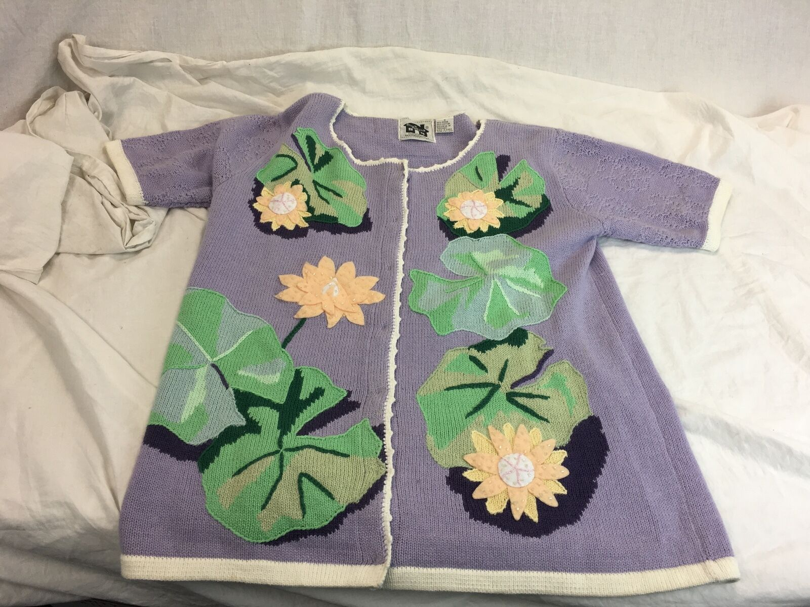 Storybook Knits Knits Knits  Flowers Lilies Short Sleeve Cardigan Sweater Small NEAR MINT 7a5ec2