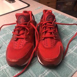 NIKE Huarache RED w/ Dark red \u0026White
