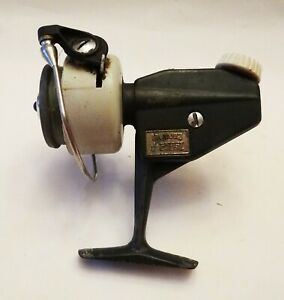 VINTAGE Abu Zebco 4 Cardinal  Spinning Fishing Reel Made in Sweden Some Wear