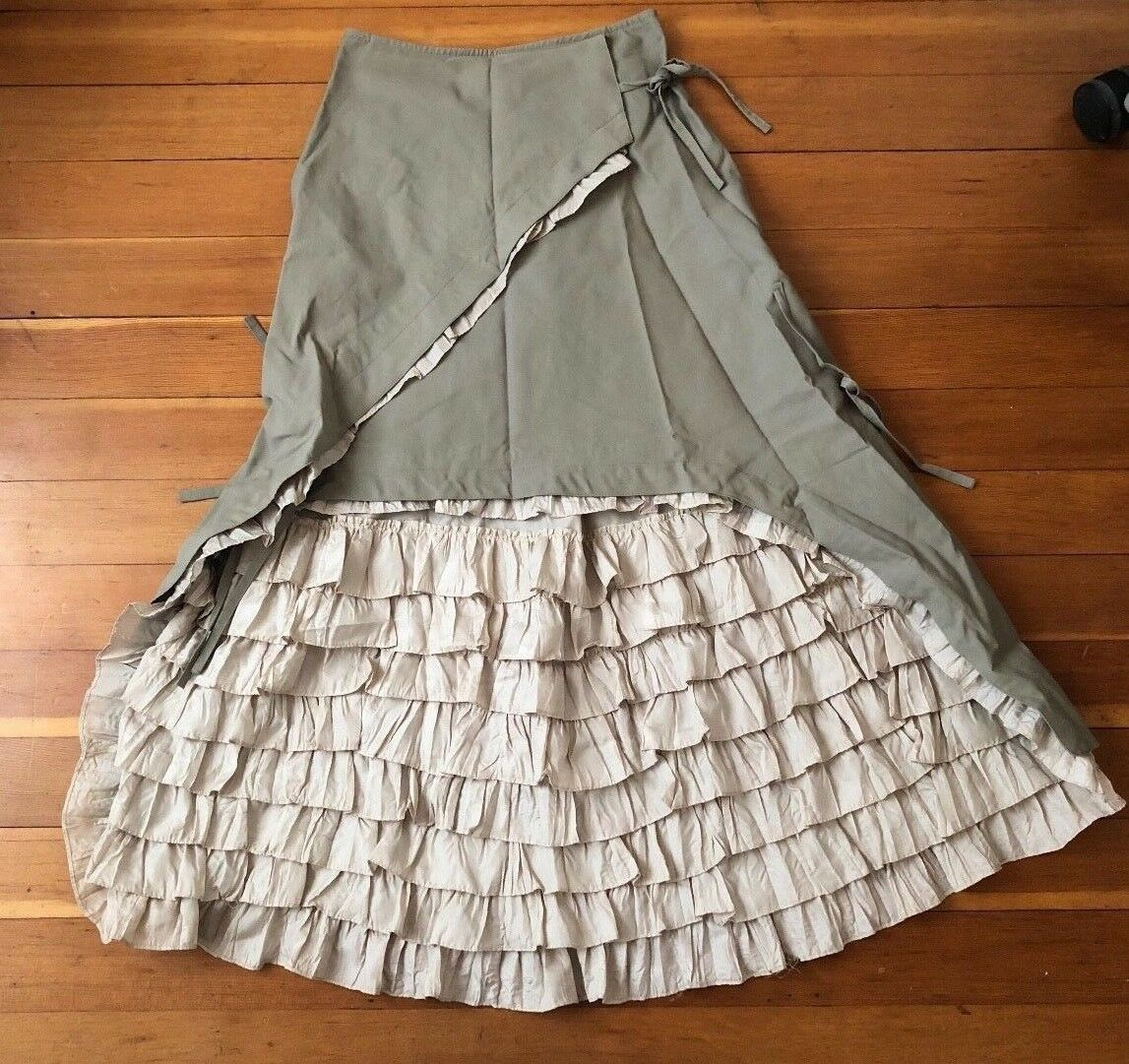 Anthropologie Empire Skirt Marie Antoinette Grey Parchment Ruffle FR Lou Dallas