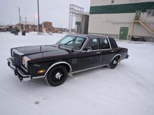1 987 Chrysler Fifth Avenue - Safetied