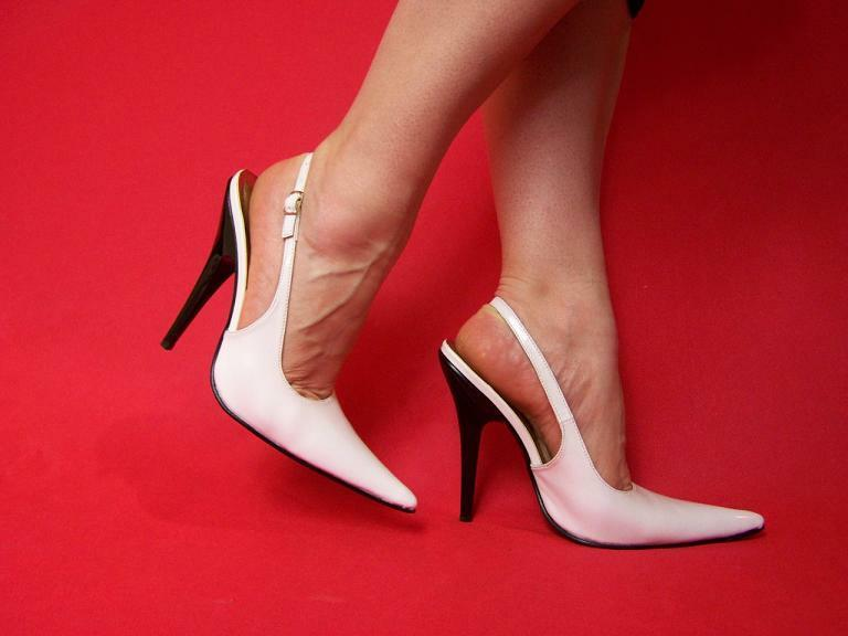 PATENT LEATHER LEATHER LEATHER Weiß PUMPS Größe 5-16 HEELS-5,5'- PRODUCER POLAND FS1014 45a876