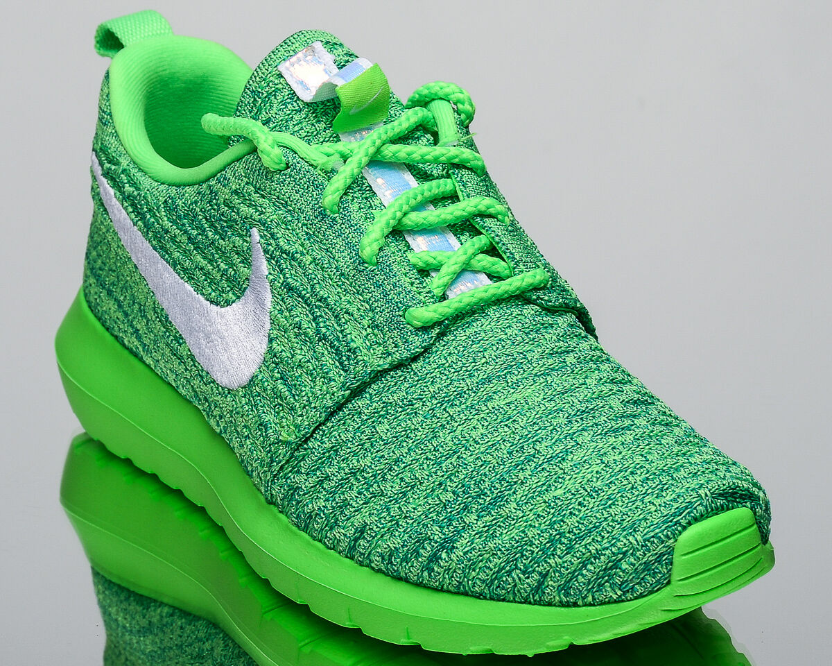 Nike Femmes Roshe Presque comme neuf Flyknit Lifestyle Baskets NOUVEAU Tension Vert 843386-301