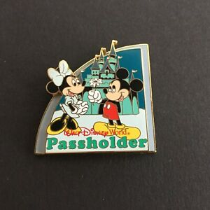 WDW-Passholder-Exclusive-2008-Mickey-amp-Minnie-at-Magic-Kingdom-Disney-Pin-60211