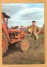 CARTE POSTALE - VIVE ST ELOI - A LA FERME  :  TRACTEUR AGRICOLE RENAULT
