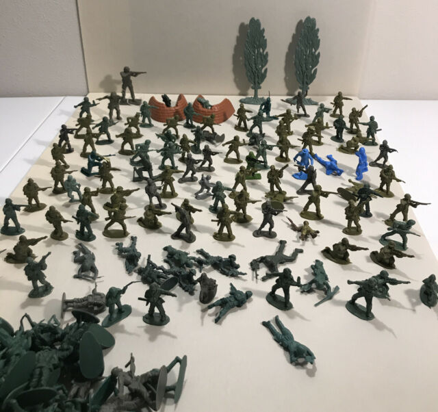 Toy Soldiers Green Army Figures Plastic Made In China Large Lot Some Vintage