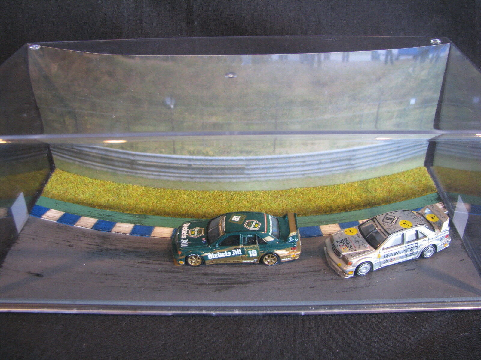 Small Visuals Mercedes-Benz DTM 1992 Diorama with 2 cars 1 64  type 1 (JS)