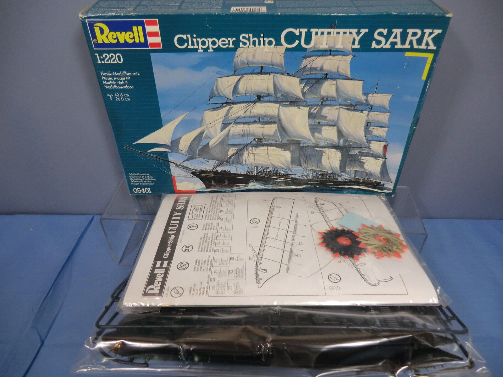 REVELL PLASTIC KIT MODEL  No.05401 FAMOUS TEA CLIPPER   CUTTY SARK