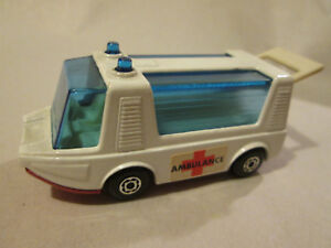1971-Matchbox-Stretcha-Fetcha-Ambulance-Van-MB-46-England-Mint