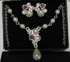 Avon Melissia Necklace & Earrings Gift Set