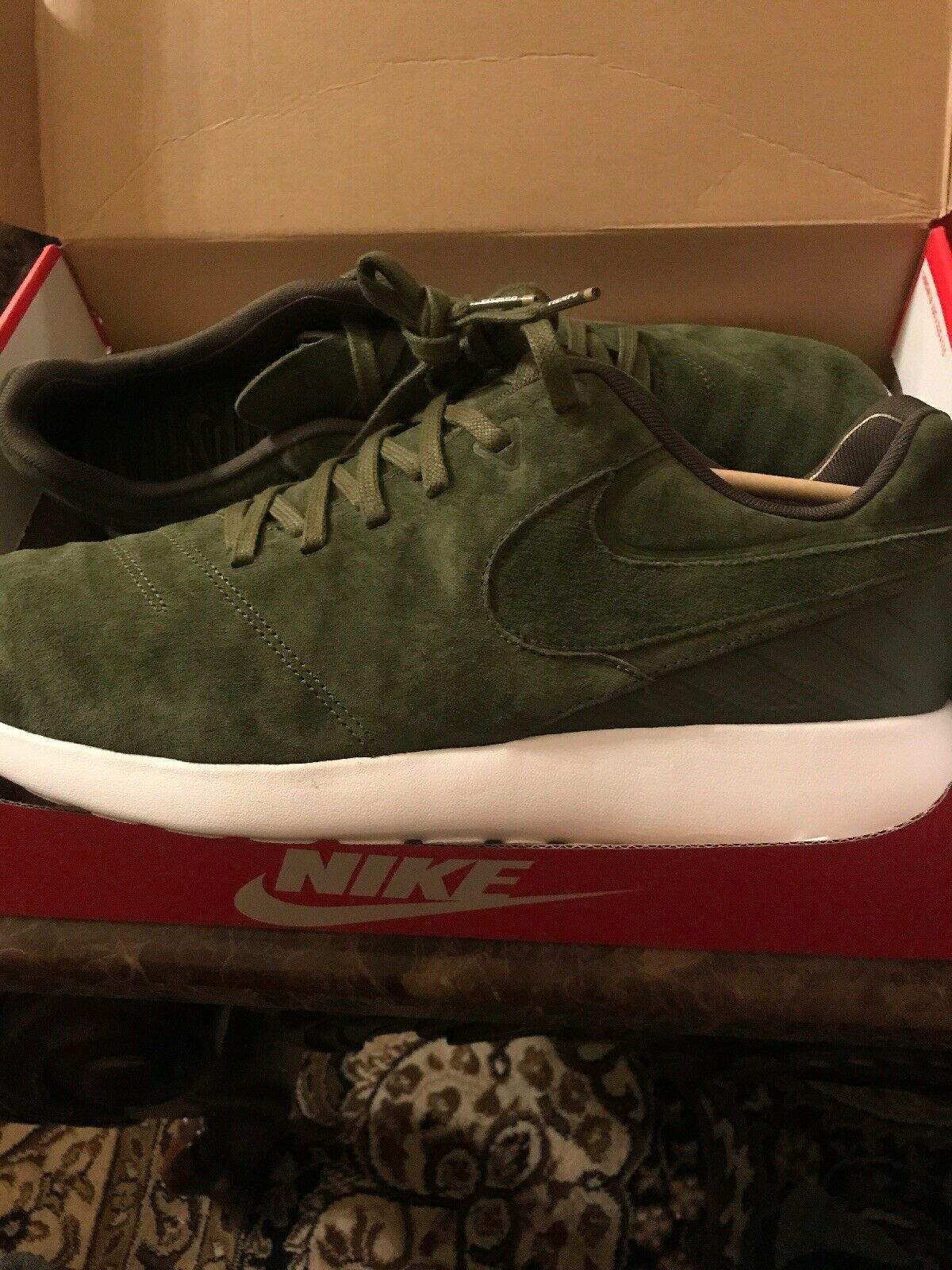 New in Box Nike Roshe Tiempo VI Legion Green Leather shoes 852615 300 - Size 12