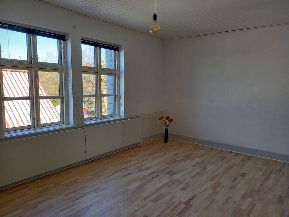 5700 vær. 4 lejlighed, m2 144, Møllergade