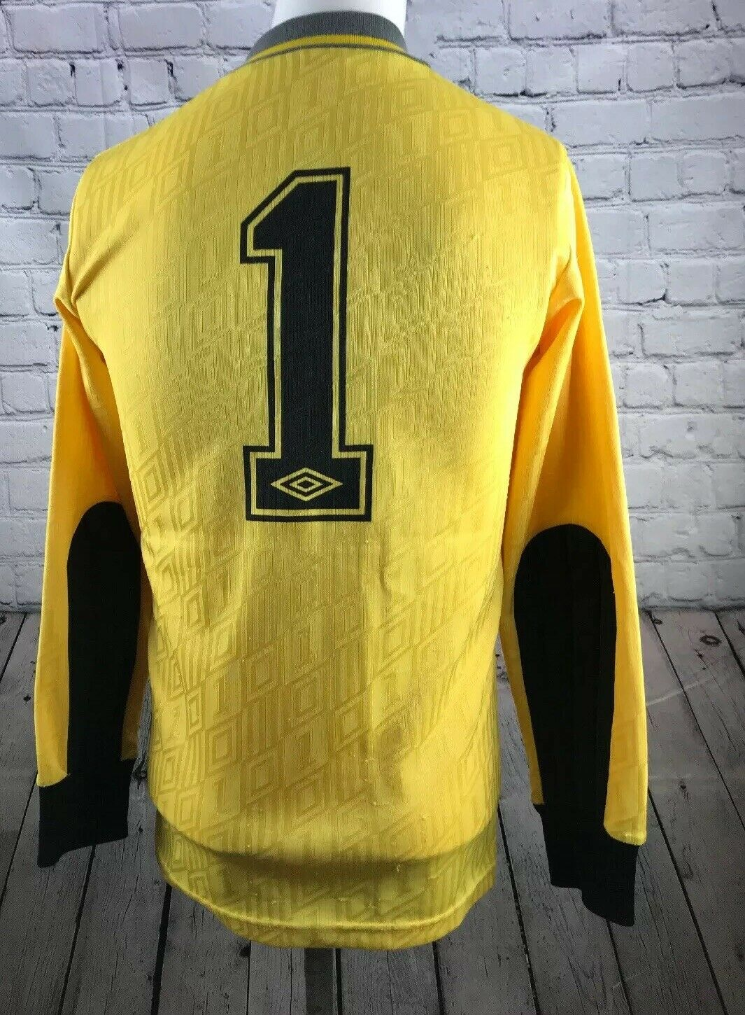GOALKEEPER SHIRT VINTAGE UMBRO MADE IN ENGLAND SIZE SMALL MENS