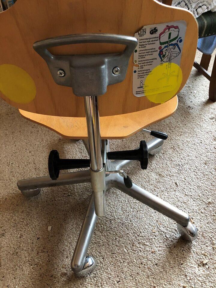 Ergonomisk stol kan indstilles på flere måder