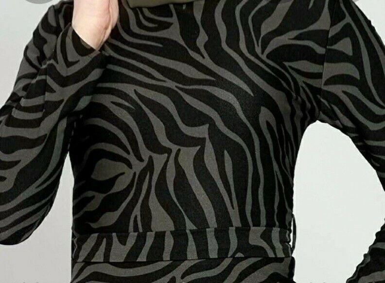Khahi Modest Maxi Dress. Size: L-Xl, XXL, 3XL. Request Size