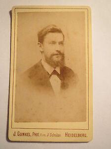 Heidelberg-1879-Mann-mit-Bart-im-Anzug-Portrait-mit-Widmung-CDV