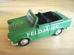 Destartalado-trabant-campo-cazador-convertible-RDA-COCHE-MODELO-DIECAST-souvenir-Germany