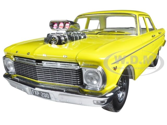 1965 FORD XP FALCON YELLOW 50TH ANNI. W  ENGINE BLOWER 1 18 BY GREENLIGHT DDA004