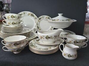 Vintage-1950-039-s-Royal-Doulton-Larchmont-TC-1019-English-China-Porcelain-Tableware
