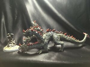 D-amp-D-Dungeons-and-Dragons-28mm-5-Headed-Dragon-plus-figure-Hand-Painted