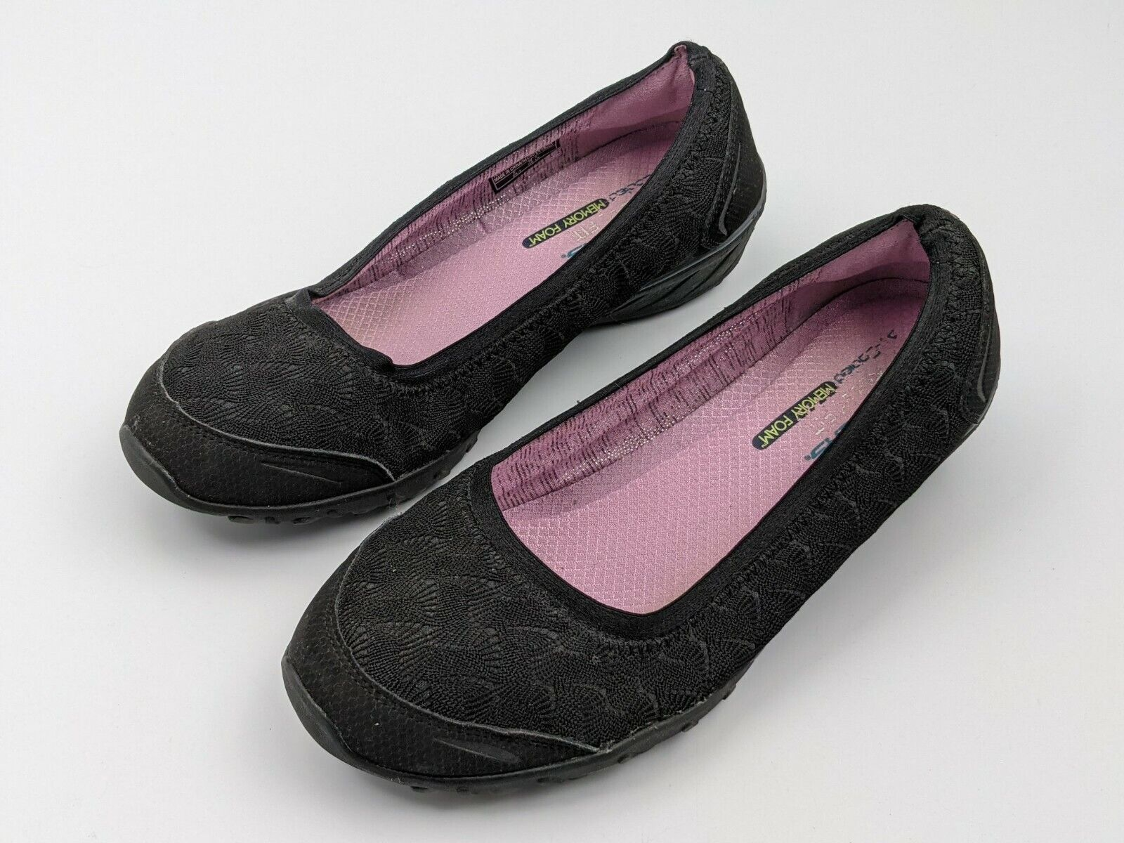 Women's Black Lace Overlay Air Cooled Memory Foam Skechers Size 9