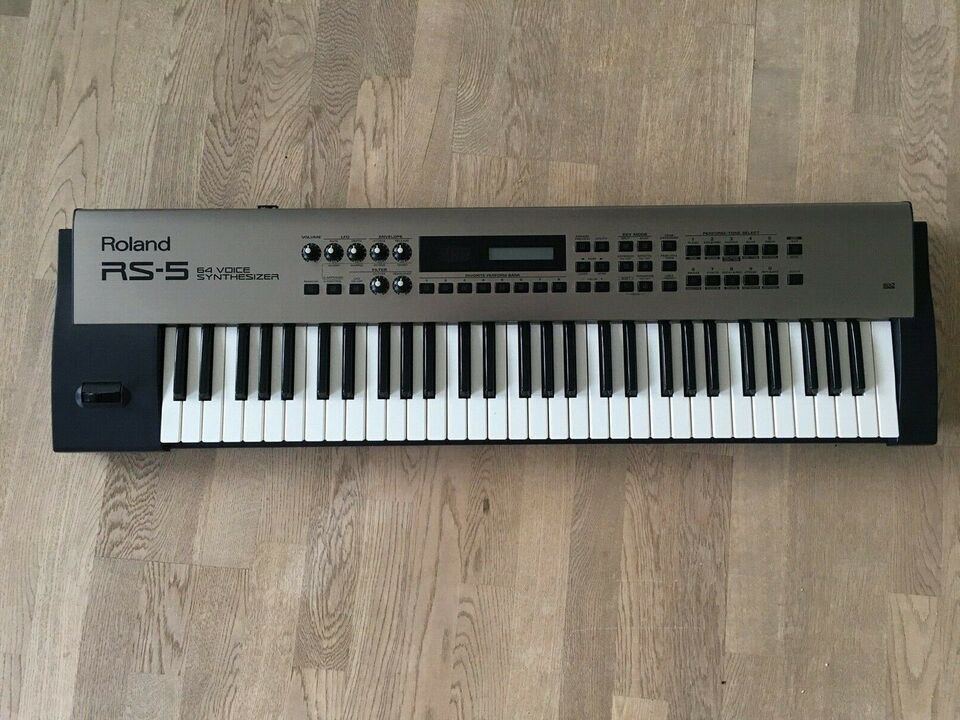 Synthesizer, Roland RS-5 64 Voice Synthesizer