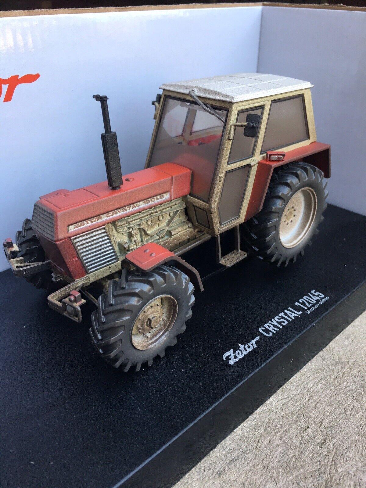 Dusty Weathered Universal Hobbies Zetor Crystal 12045 Tractor 1 32 Scale TRAKTOR