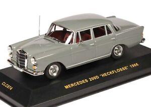 Mercedes 190 w110 1961 alerón trasero rojo oscuro maqueta de coche 1:43 maxichamps