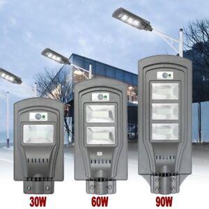 FARO-LED-LAMPIONE-STRADALE-FOYU-LUCE-FREDDA-ENERGIA-SOLARE-CON-TELECOMANDO