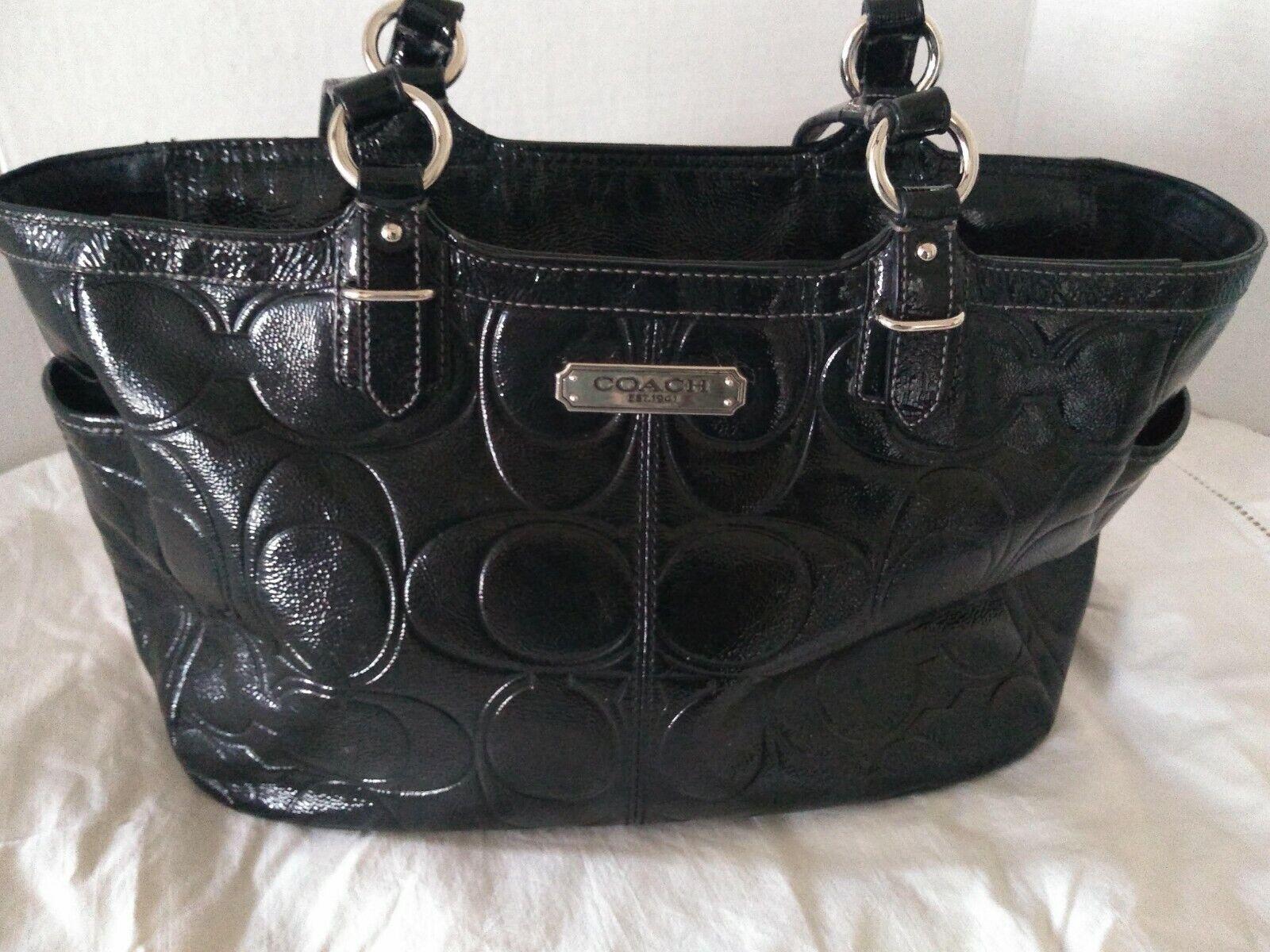 99da591a0a18 Coach Gallery Embossed Signature Patent Leather Zip Tote Bag F19462