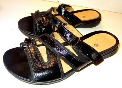 Clarks Unstructured Women Patent Look Slip On Sandals Size 7