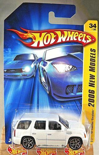 2006 Hot Wheels #34 New Models 34//38 /'07 CADILLAC ESCALADE White w//Chrome 5Y Sp