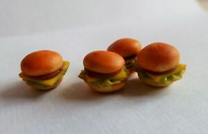 DOLLS-HOUSE-MINIATURE-FOOD-4-X-MINI-CHEESE-LETTUCE-BURGERS-COMBINED-P-P
