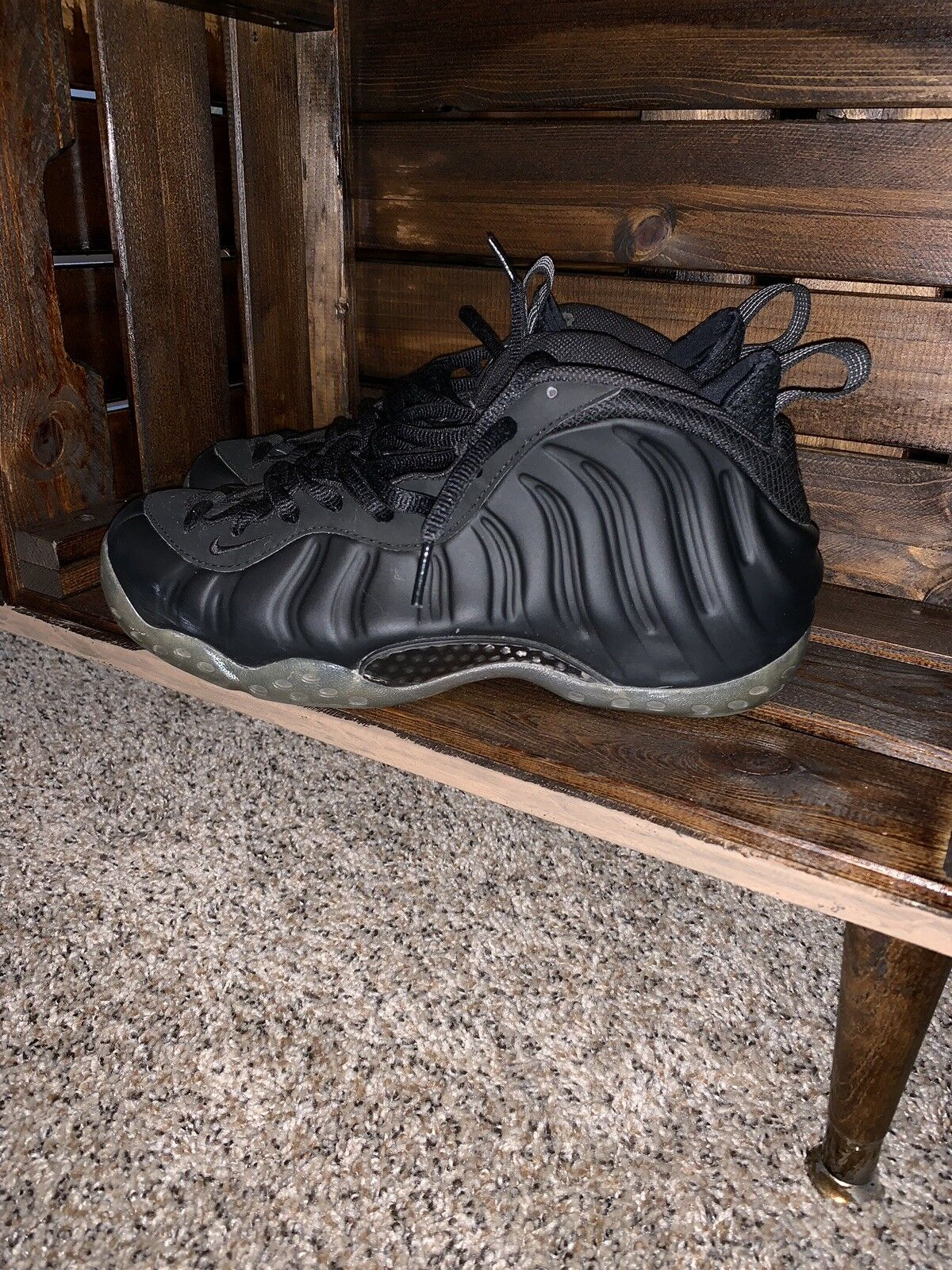 Nike Foamposite Stealth Size 8.5 Pre-Owned