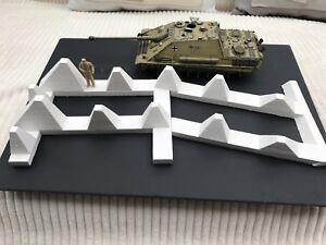 Hoeckerhindernis-Typ-39-1-35-Panzersperre-Drachenzaehne-fuer-Diorama-Modellbau