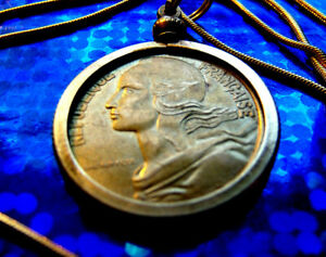 French-Republic-Heroine-034-Marianne-034-Coin-Pendant-on-a-24-034-Gold-Filled-Snake-Chain