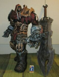 """Details about Darksiders Horseman of Apocalypse War with Chaoseater Paper  Model Kit 31"""" tall"""