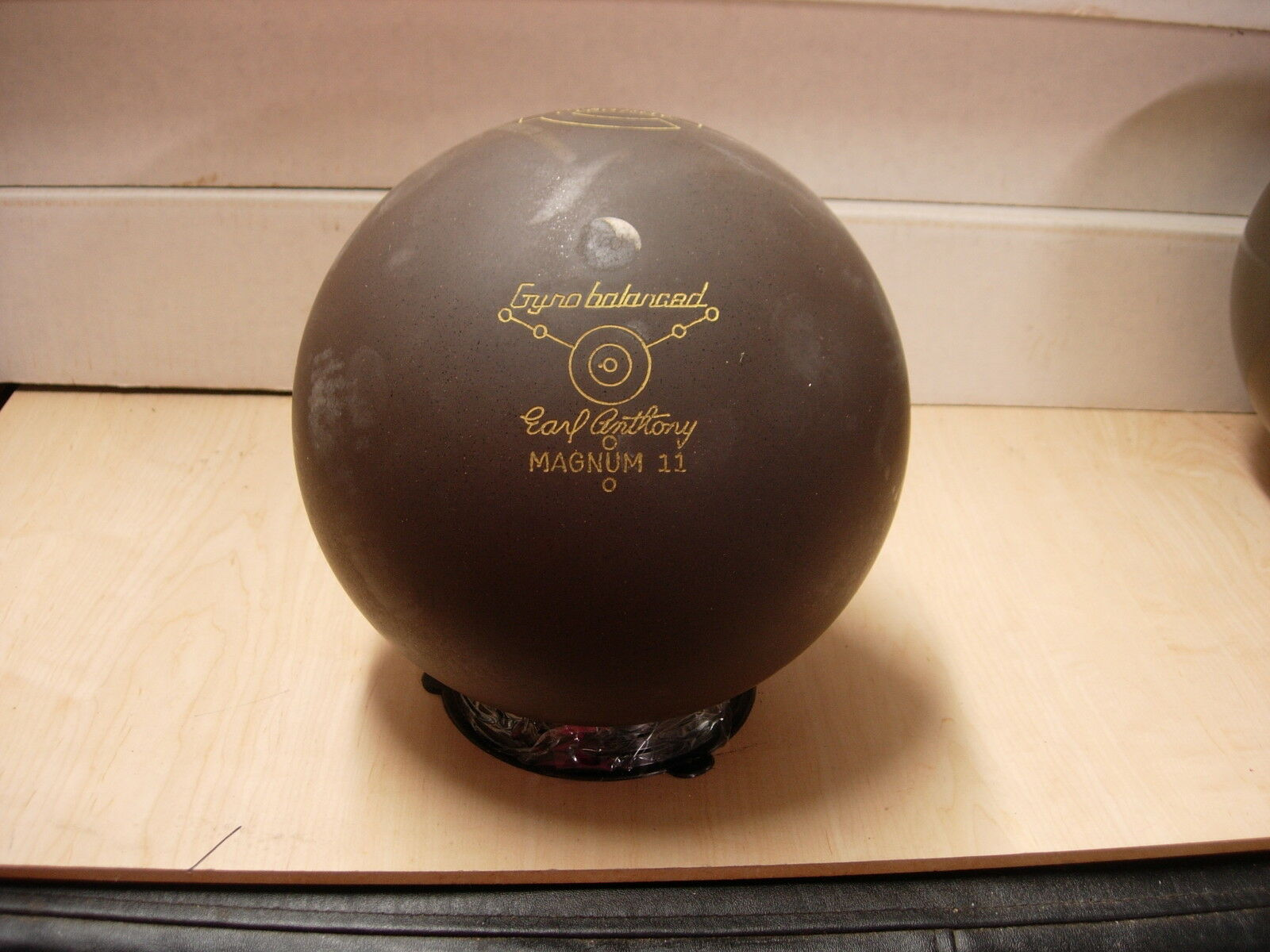 16 (15lb 15-1 2oz) TW 3-3 8 Ebonite 1982 MAGNUM 11 Bowling Ball Rubber Urethane