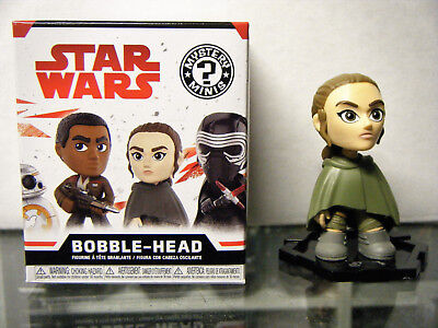 Star Wars The Last Jedi Mystery Minis 1//12 Loose Exclusive Rey in Cloak