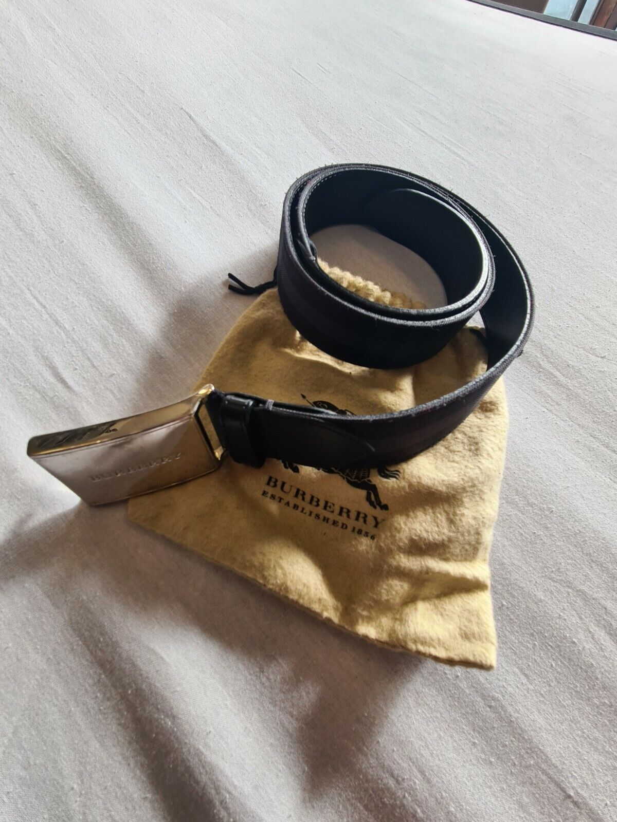 Burberry Belt 36 of 90 with Bag Used Condition