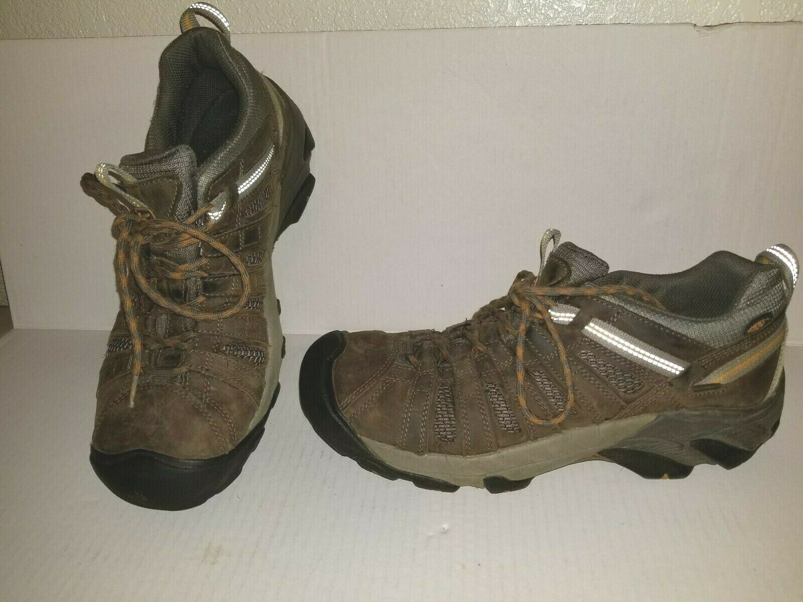 Nice Brown  KEEN Voyageur Size 11 Lace Up Hiking  shoes Low Profile